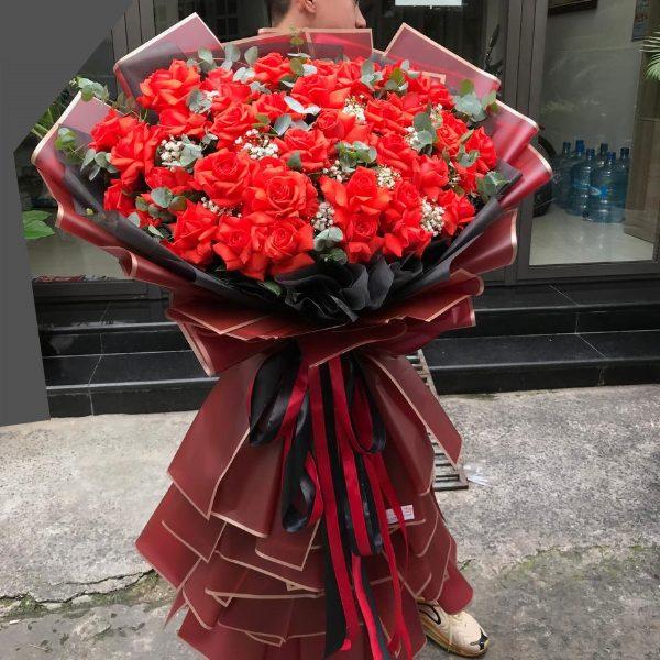 bó hoa hồng đỏ khổng lồ