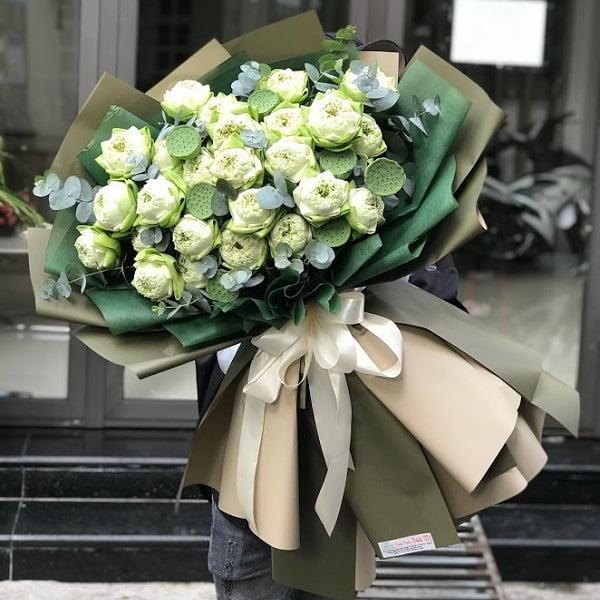 bó hoa sen trắng đẹp