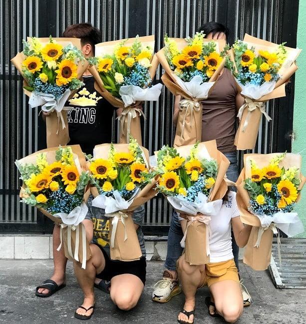 hoa hướng dương tặng đại biểu