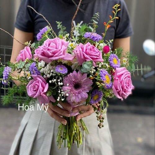 hoa cưới cô dâu hoa hồng tím