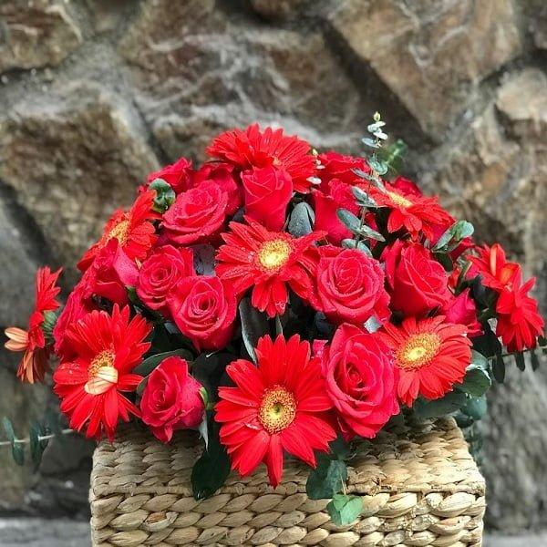 hoa để bàn đại biểu