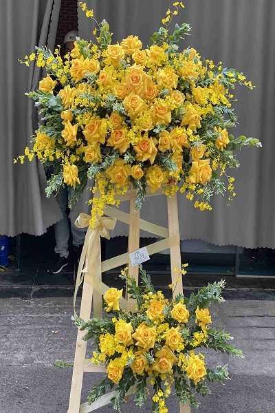 hoa chúc mừng năm mới hoa hồng vàng